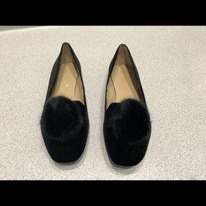 Enzo Angiolini velvet loafers w fur pom, worn once